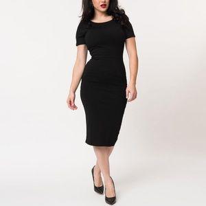Unique vintage 2XL black short sleeve wiggle dress